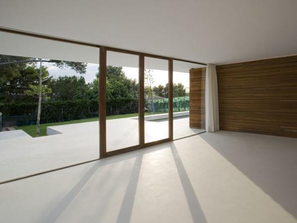 Realizzazione-porte-scorrevoli-moderne-per-appartamento-rubiera